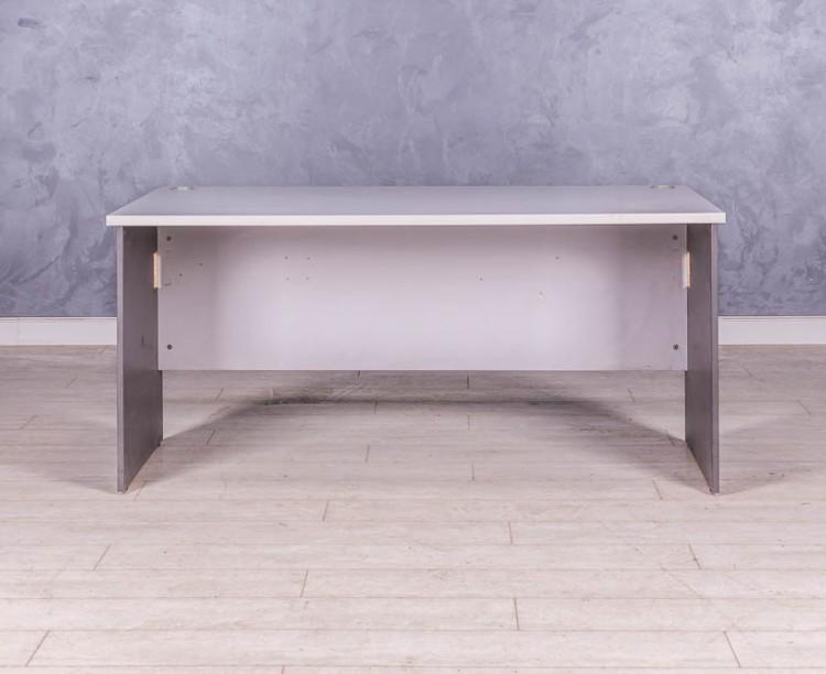Стол прямой серый 1600 мм