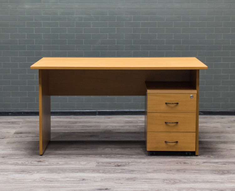Стол прямой офисный с подкатной тумбой