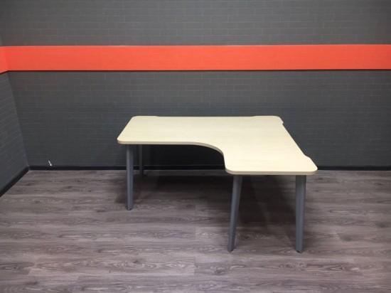 Стол угловой Steelcase, клен, 160х140