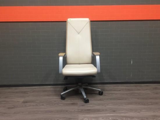Кресло для руководителя Madera