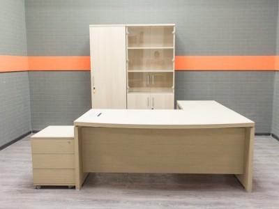 Кабинет руководителя Narbutas&Co, офисная мебель бу