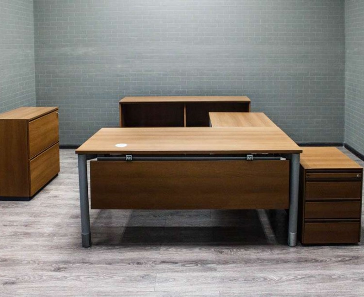 Комплект офисной мебели Bene, орех