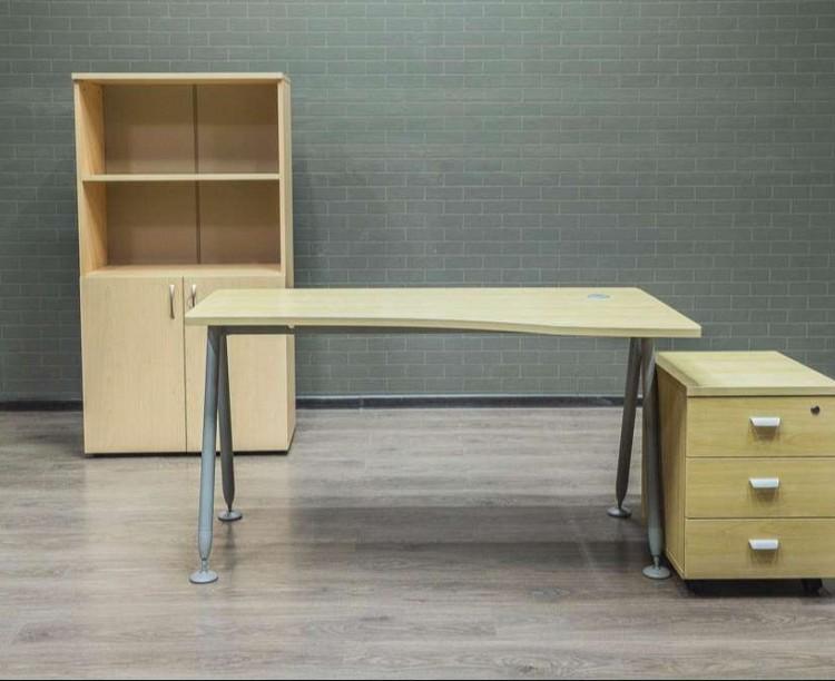 Офисная мебель  клён
