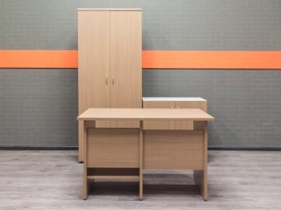 Офисная мебель бу. Комплект офисный для сотрудника, дуб