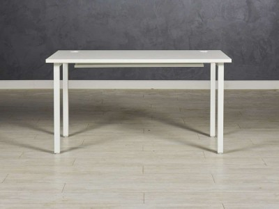 Стол офисный прямой, цвет белый