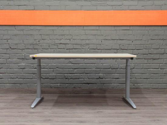 Assmann Прямой металлический стол, клен
