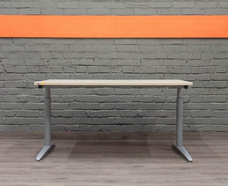 Assmann Прямой металлический стол