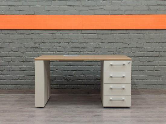 Компьютерный стол со встроенной тумбой, дуб