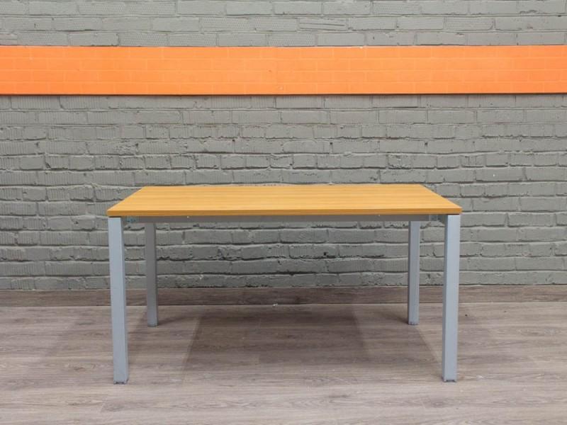 Прямой письменный, компьютерный стол