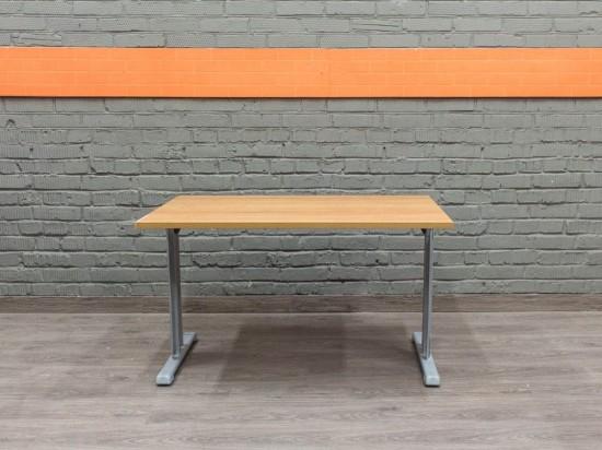 Стол прямой, ольха. Офисная мебель бу