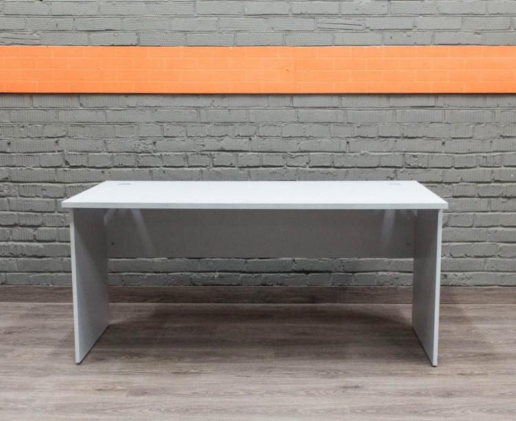 Компьютерный стол в офис, серый