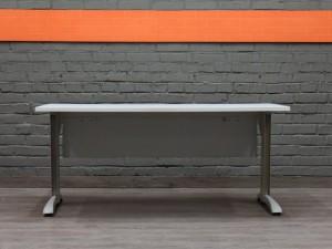 Стол письменный прямой, Steelcase