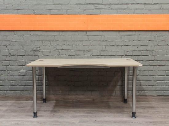 Компьютерный стол прямой, ясень