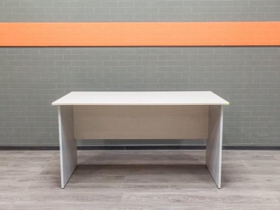 Стол прямой офисный, дуб и серый