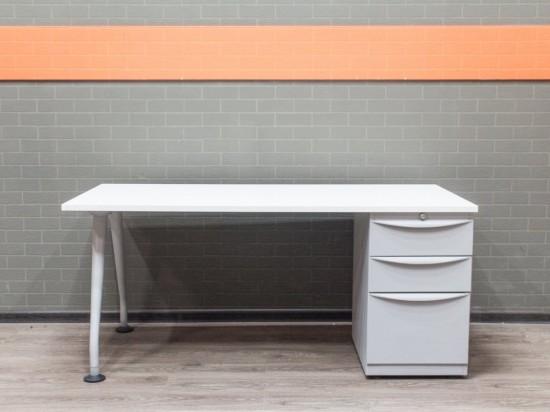 Стол со встроенной тумбой, офисная мебель бу