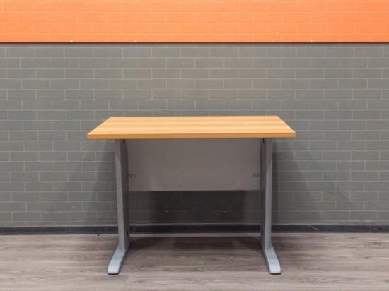 Стол офисный прямой 100х80, ольха и металл