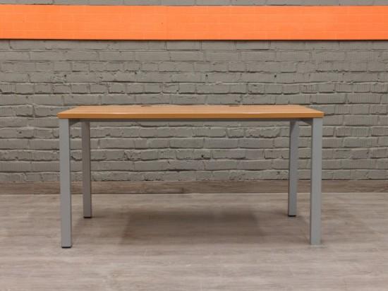 Steelcase Прямой компьютерный стол