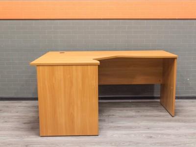 Стол угловой вишня, офисная мебель бу