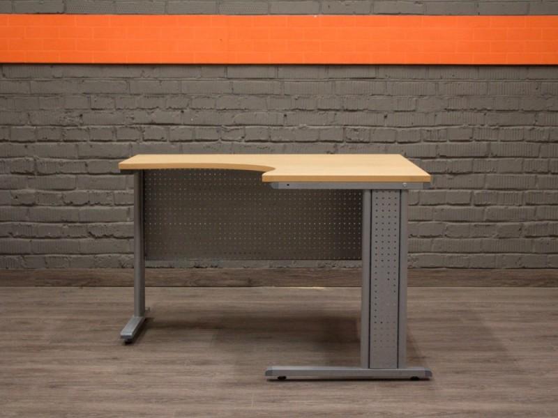 Угловой металлический стол