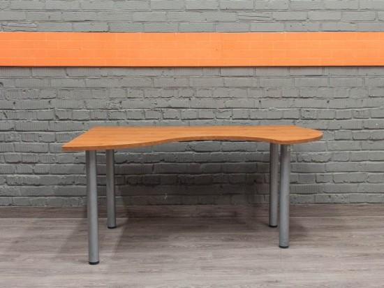 Компьютерный стол угловой, эргономичный