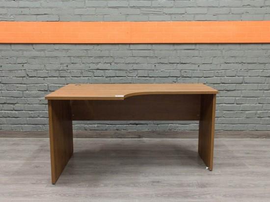 Стол офисный эргономичный, Офисная мебель бу. орех