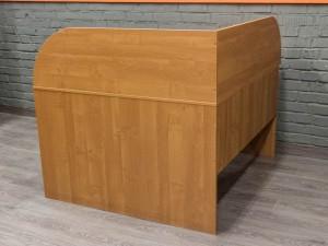 Стол офисный угловой, с экранами
