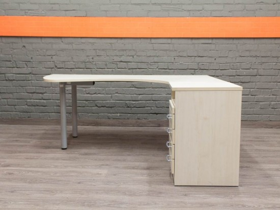 Эргономичный стол с тумбой, бук