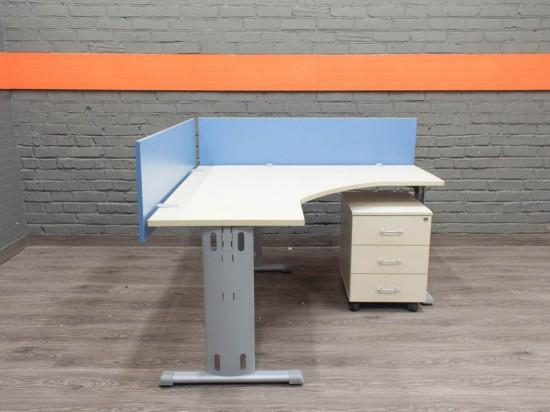 LAS Компьютерный стол с тумбой и экранами