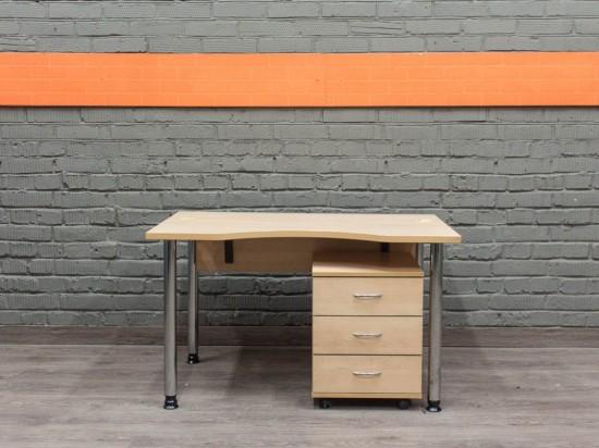 Компьютерный стол в офис, бук