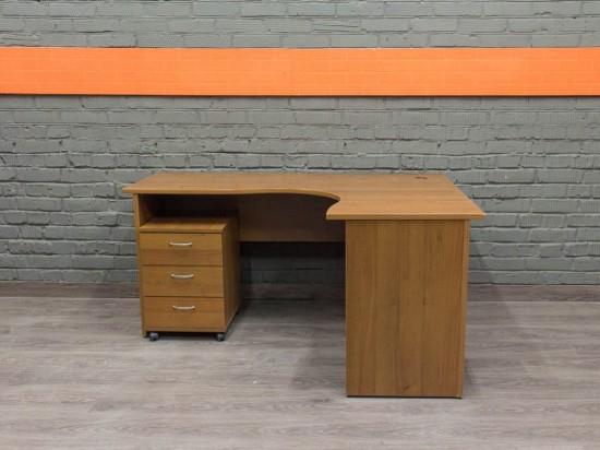 Угловой компьютерный стол с тумбой, орех