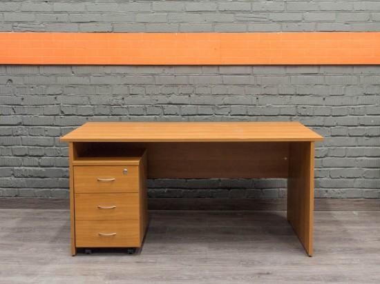 Офисный стол с подкатной тумбой, ольха