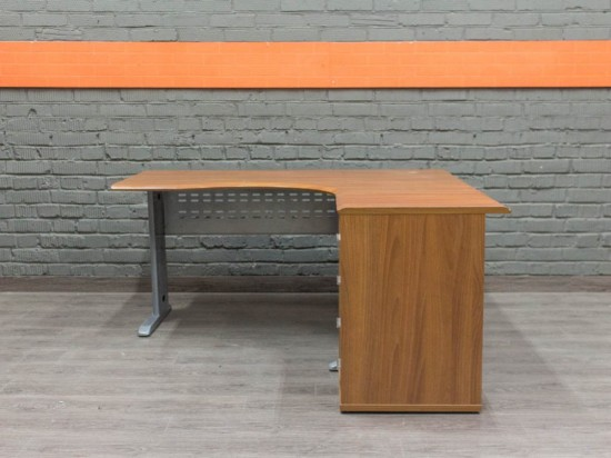 Компьютерный стол с тумбой, орех