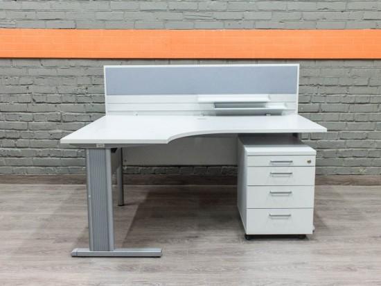Компьютерный стол с экраном, BENE