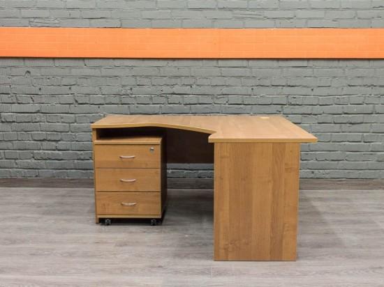 Компьютерный стол с тумбой, ольха