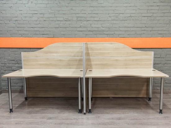 Комплект офисных столов с экранами, ясень