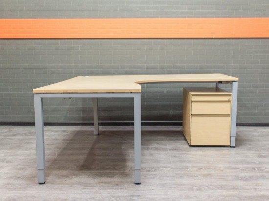 Стол офисный угловой с тумбой, BENE Офисная мебель бу