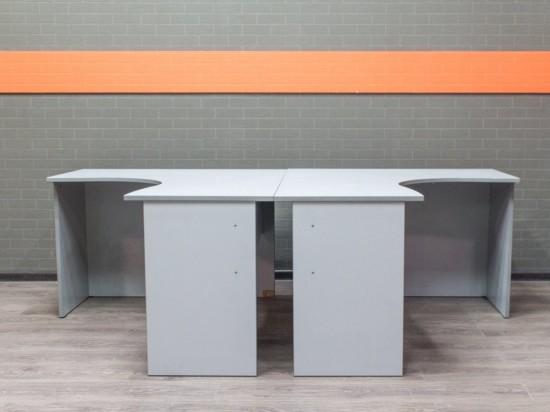Офисная мебель бу. Комплект угловых столов, серый