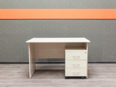 Офисная мебель бу. Стол офисный с тумбой