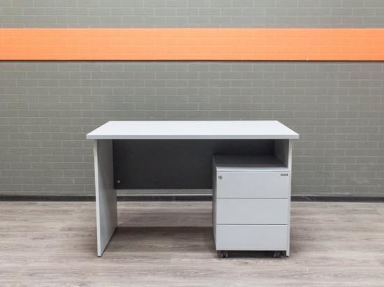 Стол офисный с тумбой, серый.