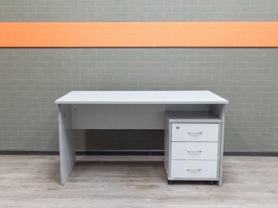 Стол прямой с тумбой, серый. Офисная мебель бу