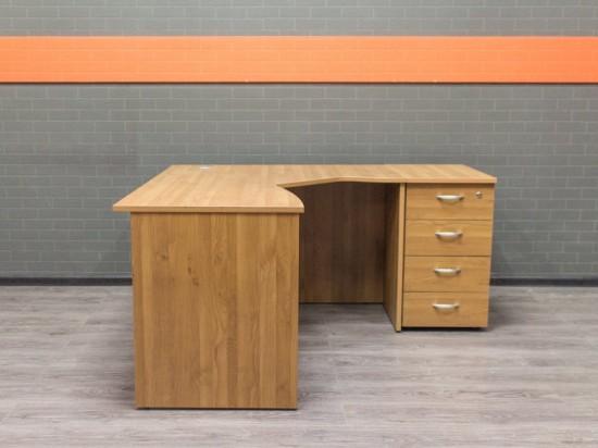 Офисная мебель бу Стол офисный ольха