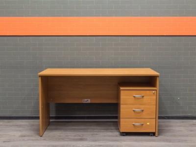 Офисный стол с тумбой ольха, офисная мебель бу