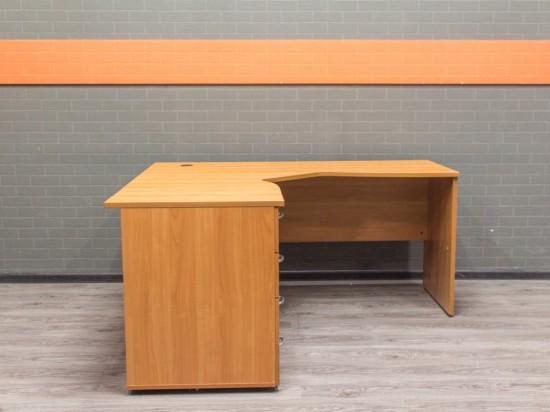 Стол с тумбой, вишня, офисная мебель бу
