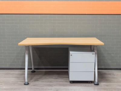 Офисная мебель бу Стол офисный с тумбой, вишня