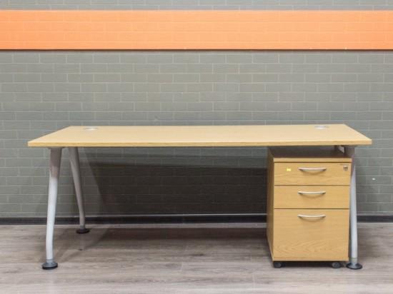 Офисная мебель бу Стол офисный шпон дуба