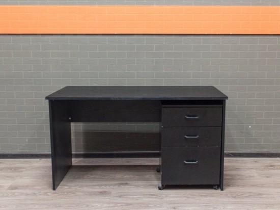Стол чёрный с тумбой, офисная мебель бу