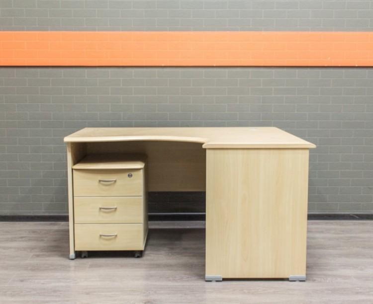 Стол офисный угловой с тумбой, клен, МДФ