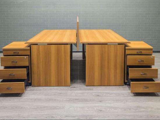 Стол офисный для двоих сотрудников  орех