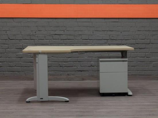 Компьютерный стол с тумбой Steelcase. Офисная мебель бу