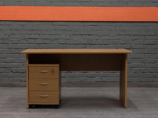 Прямой офисный стол с тумбой